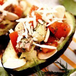 Retete_usoare_Salata_de_ton_cu_avocado