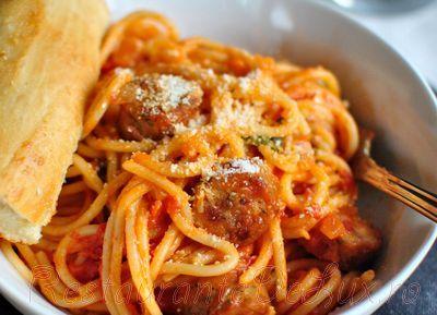 Spaghete_cu_sos_de_rosii_si_carnati_de_pui_19
