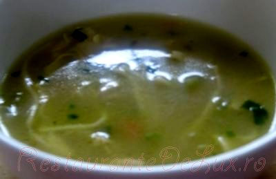 Supa de patrunjel cu smantana si ou
