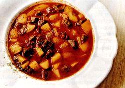 Supa gulas cu zarzavat si chimen