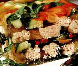 Aspic_cu_carne_de_porc_si_legume