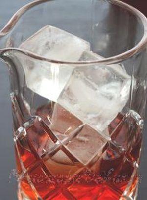 Cocktail_bourbon_cu_campari_si_vermut_02