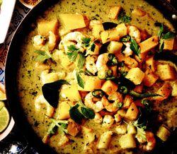 Creveti cu ananas si curry