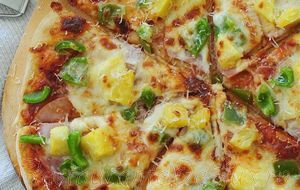 Pizza_cu_bacon_si_mozzarella_04