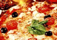 Pizza_rapida_cu_rosii_cherry_si_branza