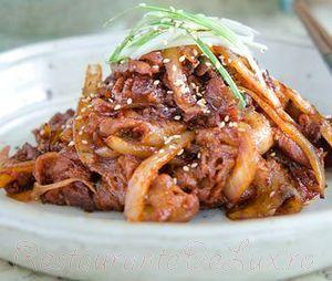 Carne de porc cu sos picant