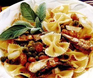 Retete_delicioase_Paste_cu_mazare_si_fasole
