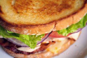 Sandwich_cu_bacon_si_sunca_de_curcan_10