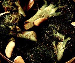 Broccoli_cu_alune_si_condimente