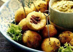 Chiftelute_de_cartofi_cu_carne_tocata