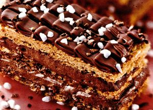 Desert_cu_ciocolata_in_straturi