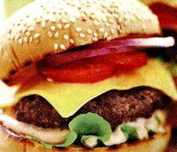Hamburger_de_casa_cu_branza_si_ceapa_rosie