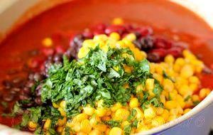 Mancare de quinoa cu porumb
