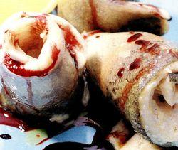 Rulouri de păstrăv cu cartofi ţărăneşti