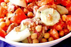 Salata_cu_naut_si_ton