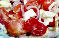 Salata_de_ciuperci_cu_rosii_si_ceapa