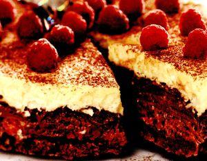 Tort_cu_clatite_si_cacao