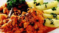 Varza_cu_carne_de_porc_si_legume