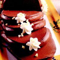 Budinca de ciocolata cu fructe rosii