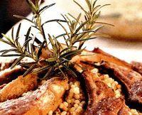 Coronita din costita de miel umpluta cu legume