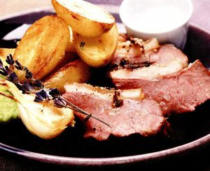 Miel fript cu cartofi si rozmarin
