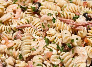 Salata de paste cu creveti