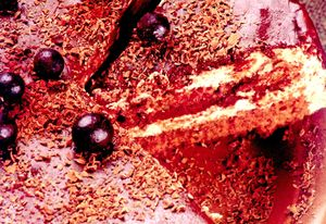 Tort_de_ciocolata_cu_bombonele