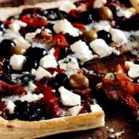 rp_Pizza_cu_zacusca_brânza_si_legume-200x200.jpg