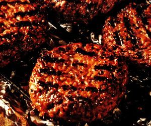 Retete_pentru_gratar_Hamburger_aromat