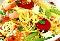 Spaghete cu fasole verde si sunca