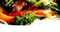 Stir_fry_de_vita_cu_broccoli_si_ardei_iute