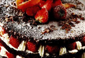 Tort_cu_capsuni_si_mascarpone