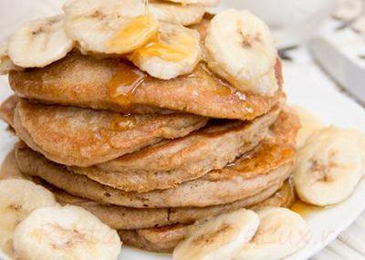 Clatite cu rom si banane