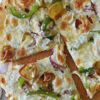 Pizza_cu_cartofi_ceapa_si_mozzarella_05