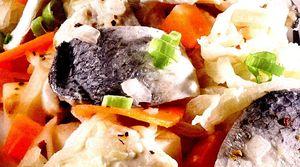 Salata_de_hering_marinat_cu_legume