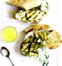 Sandwich_cu_dovlecei_la_gratar