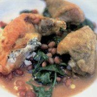 Bibilica la cuptor cu garnitura de costita afumata, cartofi, mere la cuptor si bureti sotati