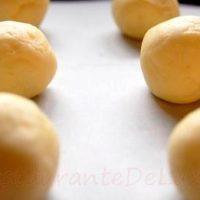 Chiftelute din cartofi cu sos de ficatei de pasare