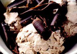 Inghetata_de_vanilie_cu_ciocolata