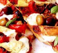 Mini_pizza_cu_rosii_si_mozzarella