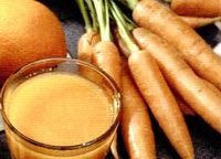 Suc de varza alba, morcovi si mere