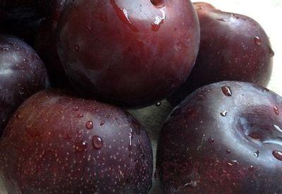 Fructe nutritive: Prunele