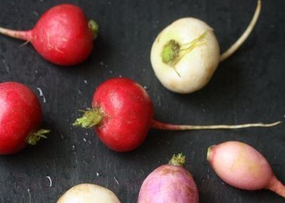 Salata de ridichi rosii