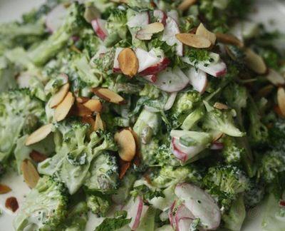 Salata_de_broccoli_cu_ridichi_si_migdale_05