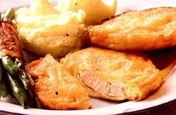 Snitel_cu_parmezan_si_piure_de_cartofi