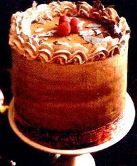 Tort_cu_crema_de_ciocolata_si_zmeura