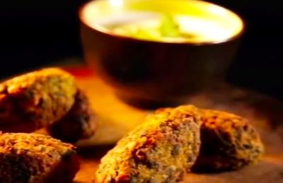 Chickpea_Cumin_and_Spinach_Koftas_with_Tahini_Dressing