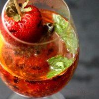 Cocktail_cu_sampanie_capsuni_si_menta_08