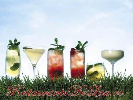 Summer Drink cu rosie, portocala si prosecco