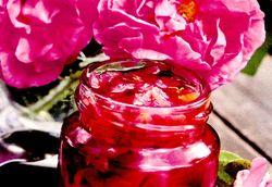 Dulceata clasica de trandafiri